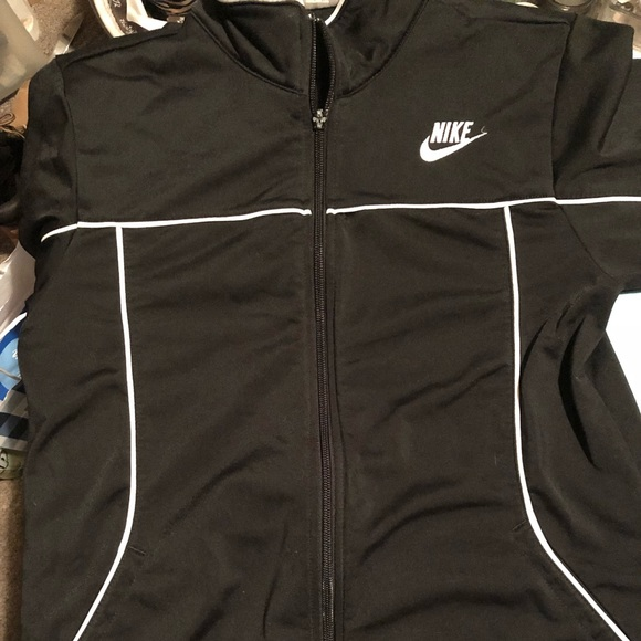 Nike Jackets & Blazers - NIKE youth jacket large 14-16